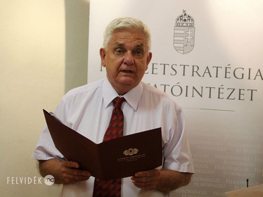 Duray Miklós az ipolysági kiállításmegnyitón (Fotó: Pásztor Péter/Felvidék.ma)